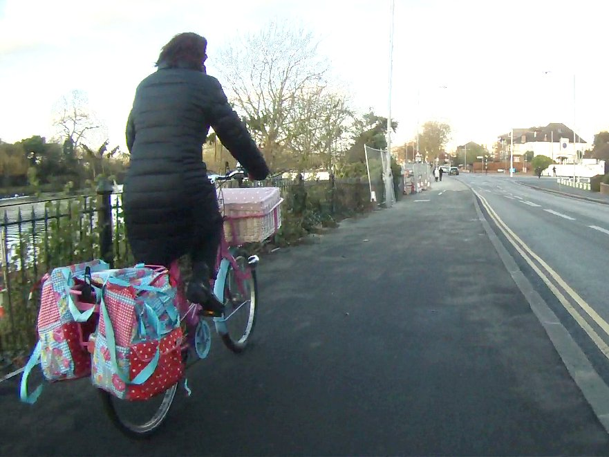 Panniers and all HT @jitensha_oni