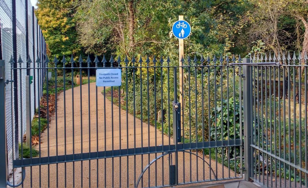 Path Twickenham End